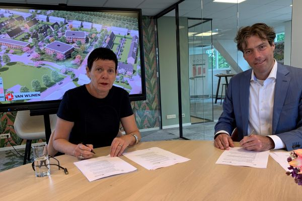 Ondertekening overeenkomst WOONstichting Gendt en Van Wijnen